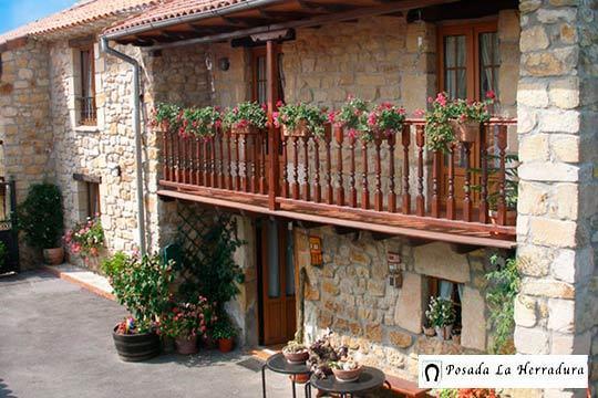 1 o 2 noches de escapada rural a Cantabria en la Posada La Herradura ¡Con desayuno y opción a actividad!