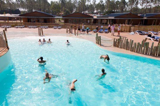 Desconecta en Las Landas del 8 al 10 de septiembre con la estancia de 2 noches en un mobil home para 4 personas del camping Sandaya Soustons Village