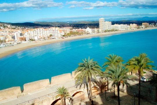 Disfruta de tus días de puente en una localidad que te ofrece tanto una playa magnífica como una oferta de ocio inigualable ¡Descubre Peñíscola!