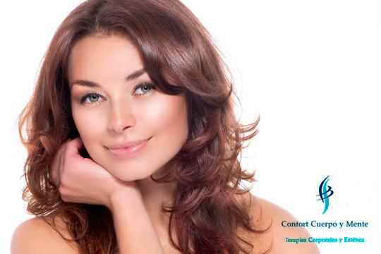 Elige tu tratamiento facial de 30, 60 o 90 minutos ¡Y con manicura!