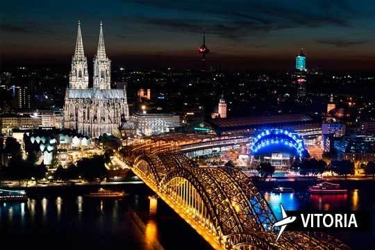 En el Puente de Diciembre descubre Colonia ¡Vuelo desde Vitoria + crucero por el río Rhin y mercadillos de Navidad!
