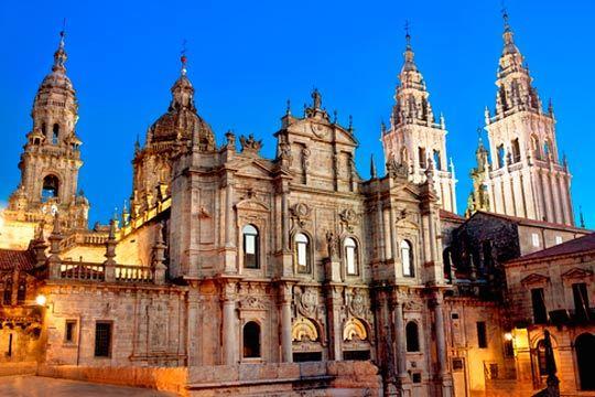 Santiago de Compostela te espera esta Semana Santa ¡4 noches con desayunos en el hotel Santiago 3*!