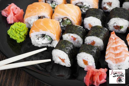 Disfruta en casa del mejor sushi ¡Bandeja de 12, 24, 32 o 44 piezas a recoger en Jenny Sushi del Mercado San Martín!