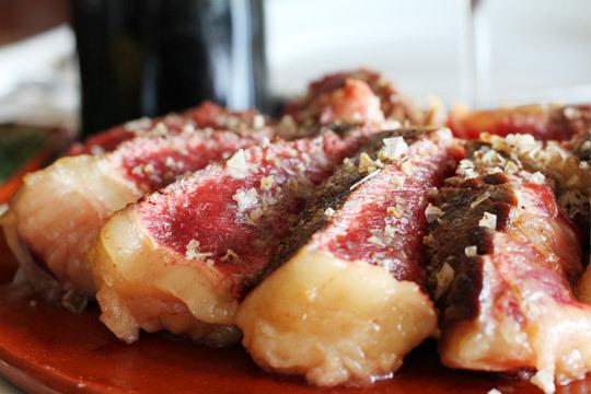 ¡Disfruta de un plan gastronómico de primera en un entorno privilegiado! Podrás eligir entre el menú especial o el menú con txuleton de viejo de Zartagi Jatetxea