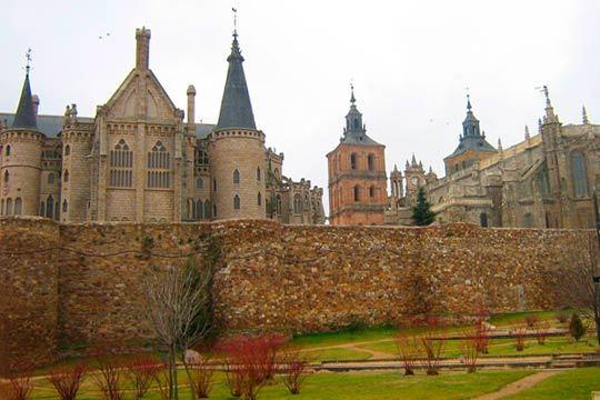 4 noches con alojamiento y desayuno en León ¡Descubre la belleza de León en invierno!
