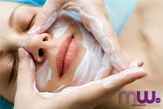 Vivimos rodeados de toxinas que penetran en nuestro organismo y afectan a nuestra piel ¡Deshazte de ellas cone ste fabuloso tratamiento de belleza!