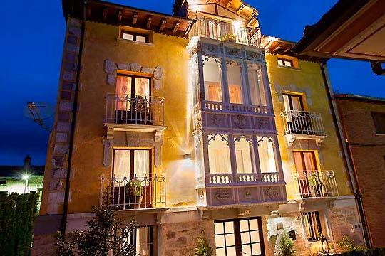 De 1 a 3 noches con desayuno en el hotel boutique Valle de Oca en Burgos ¡Con opción a suite y visita a Atapuerca!