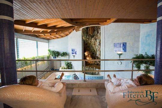 Relájate en Navarra con 1, 2 o 3 noches con desayuno bufé + circuito termal + haloterapia + acceso a la piscina hidrotermal del Balneario de Fitero ¡Un plan de lujo!