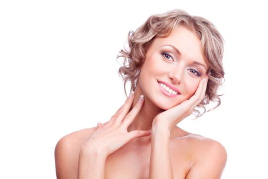 Luce un rostro más joven con este tratamiento facial con criolifting focal en el centro de belleza Exotic Touch ¡Piel luminosa y rejuvenecida!