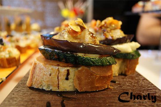 Disfruta de un plan gastronómico perfecto en plena Plaza Nueva de Bilbao ¡Sabores deliciosos!