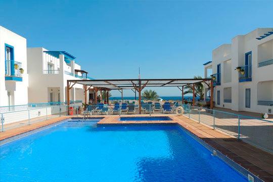¡Disfruta del verano en la costa de Almería! Estancia de 7 noches en media pensión en hotel de 3 o 4*