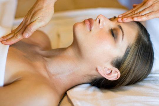 Luce un rostro joven y cuidado con 1 o 2 sesiones de ritual facial japonés ¡Incluye limpieza, dermoabrasión, masaje kobido y más!