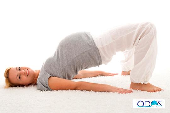 Sesión de presoterapia especialmente diseñada para embarazadas en Odos Estética y Masaje ¡Adiós piernas hinchadas!
