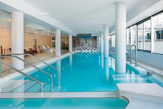 En julio disfruta de Albir, una de las maravillas de Alicante con 7 noches en hotel de 4* y régimen de media pensión ¡Todo comodidades!