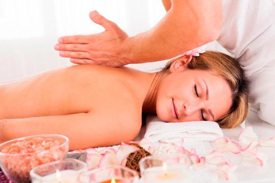 Relájate en el centro I.M. Quiromasaje con un masaje de espalda, piernas, brazos, manos, pies y cervical ¡Con aromaterapia!