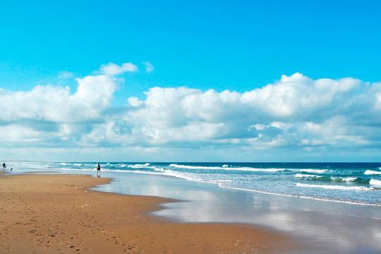Disfruta de las playas de Cádiz esta Semana Santa con 7 noches con desayunos en el hotel Pradillo Conil