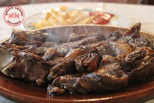 Disfruta del plan gastronómico perfecto en Venta Udabe: alubiada, chuletón y/o bacalao... ¡Todos los días de la semana!