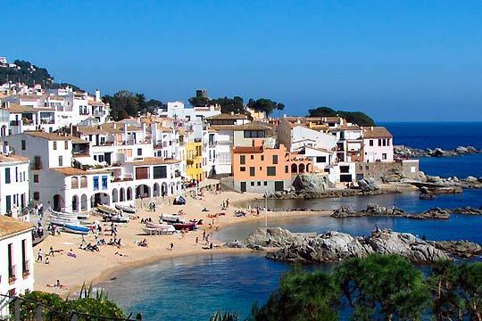 Vacaciones de Semana Santa inolvidables en Calella con 3 o 4 noches en media pensión en el hotel Les Palmeres 4*