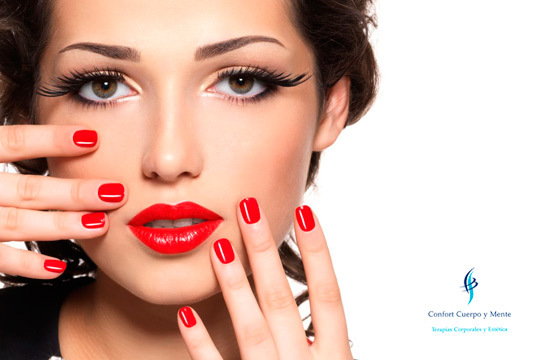 Ponte guapa en Confort Cuerpo y Mente con una manicura y diseño de cejas ¡Puedes añadir tratamiento facial y depilación de labio superior!