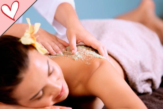 Cuida tu piel gracias a una exfoliación con sales del Mar Muerto con masaje y diseño de cejas incluidos ¡Estarás perfecta!