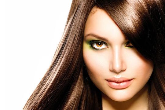 Estrena nueva imagen en Bay Vip con una sesión completa de peluquería con lavado + hidratación + tinte + corte + secado express
