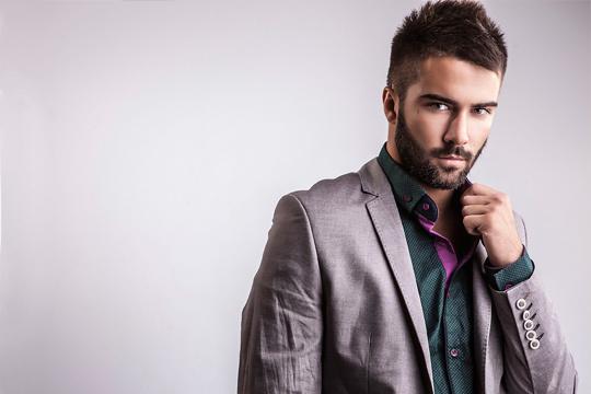 Cambia tu look con 2 lavados + 2 cortes + 2 peinados y con la opción de añadir arreglo de barba si lo necesitas ¡En la Peluquería de caballeros Jamal!