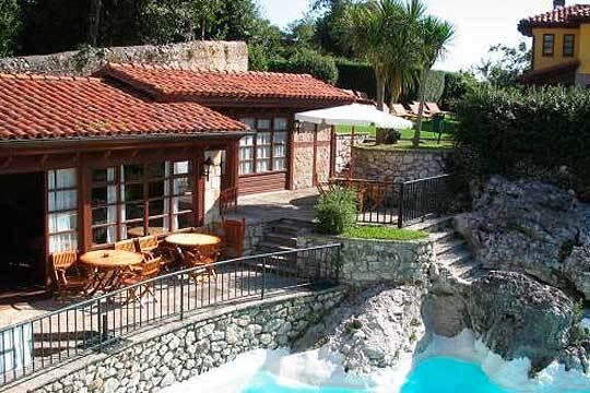 Del 12 al 15 de octubre disfruta en pareja de 3 noches en La Casona de Vidago, cerca de Llanes ¡Ideal para relajarse!