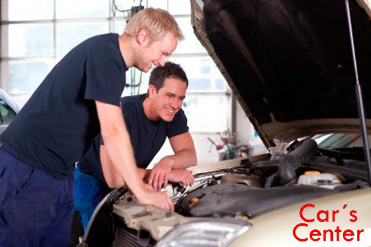 Prepara tu coche para el verano recargando el aire acondicionado, el líquido de fugas y con esta exhaustiva revisión de los 25 puntos principales