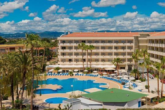 Disfruta del puente de mayo en Cambrils con la estancia de 3 noches en el hotel H10 Cambrils Playa de 4 estrellas ¡En pensión completa!
