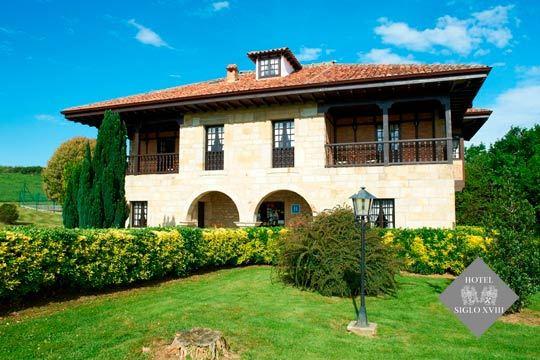Disfruta de una escapada diferente a Santillana del Mar  con 1, 2 o 3 noches con desayunos en el Hotel Siglo XVIII ¡Y opción a realizar una actividad de aventura!