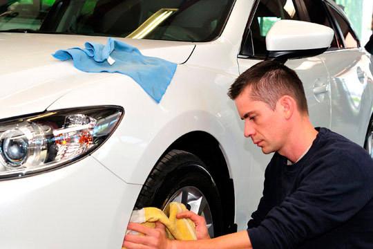 Lavado ecológico interior y exterior de coche en Eco Marta Getxo ¡Elige entre un lavado de mantenimiento o en profundidad con tapicería!