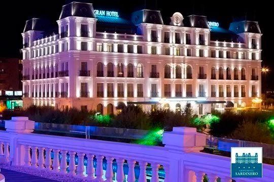 Noche con desayuno bufé + cena + plaza de parking en el  Gran Hotel Sardinero**** de Santander ¡Una escapada de lujo!