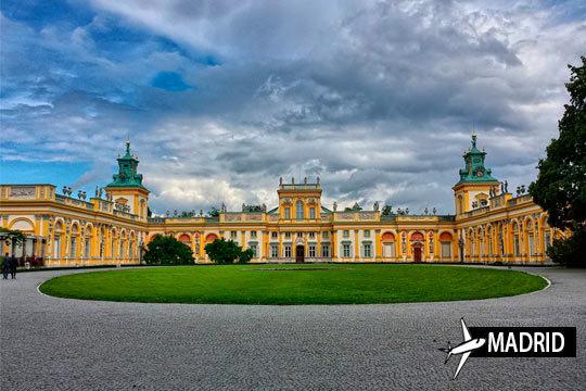 En octubre a Varsovia con vuelo desde Madrid a Varsovia y 3 noches en AD en apartamento ¡La belleza de Europa central!
