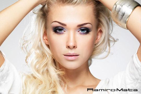 Luce una melena perfecta con una sesión de peluquería con tinte de la prestigiosa marca profesional Artwork en Peluquería Ramiro Mata