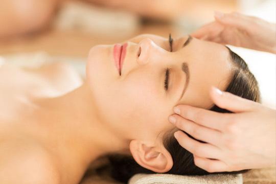 Libérate del estrés y siente el bienestar con 1 o 3 masajes craneofaciales en Eguzkilore Bioestética y Masaje ¡Te encantará!
