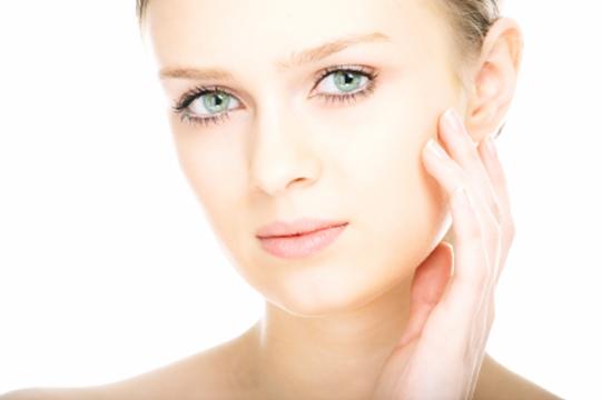 Luce un rostro joven y cuidado con 5 sesiones de mesoterapia virtual y máscara LED en el centro Vanity Body Esthetic