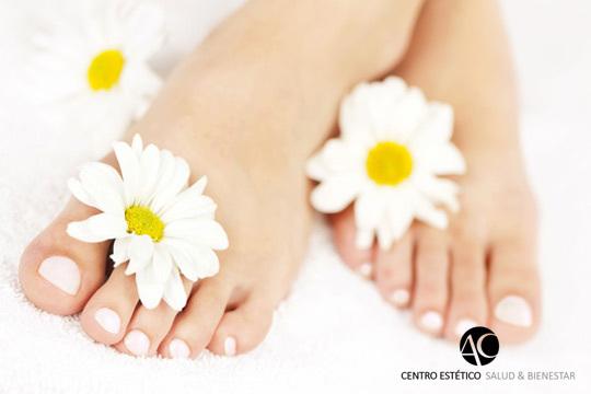 Prepara tus pies para lucir perfectos esta temporada con una completa pedicura con peeling hidratante, masaje y mucho más