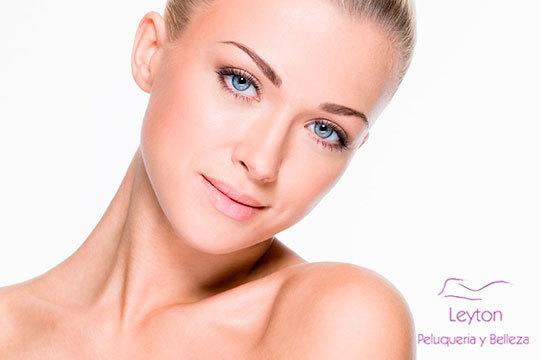 Un fabuloso tratamiento facial con dermoabrasión de punta de diamante para combatir arrugas, manchas y secuelas de acné en Leyton ¡Cara perfecta!