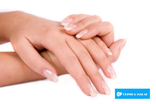 Paga 59€ y obtén un descuento de 505€ para un tratamiento de rejuvenecimiento de manos ¡Mejorarás su aspecto y te librarás de las manchas!