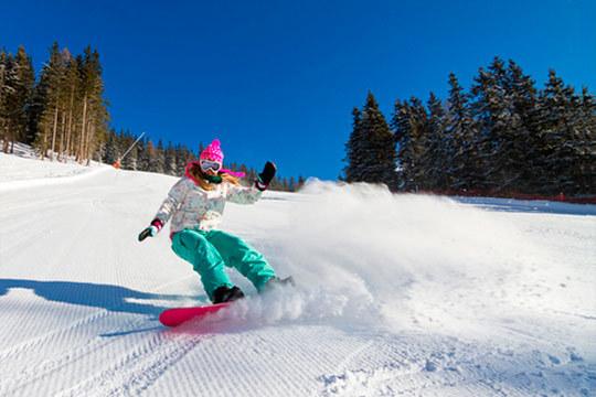 Disfruta de los deportes de invierno y de la Nochevieja en Baqueira con 7 noches en media pensión en el hotel Petite Vernade + 6 días de forfait!
