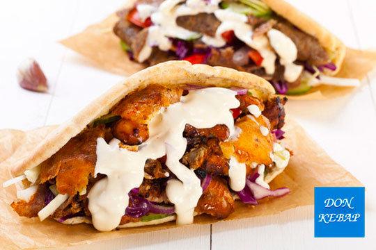 Disfruta de la mejor comida turca con 2 menús de kebab o durum + patatas + refrescos + postre o 4 kebabs ¡Para compartir!