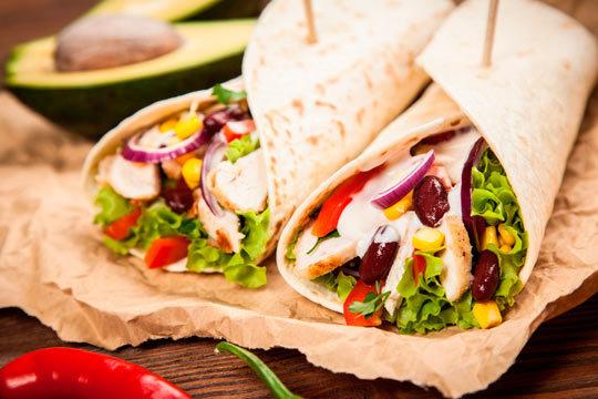 Degusta los auténticos sabores mexicanos en el restaurante Embajada Mexicana ¡Menú para dos con jalapeños, fajitas y más!
