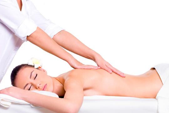 Date un capricho con 2 sesiones de masaje de cuerpo completo a elegir entre deportivo o relajante