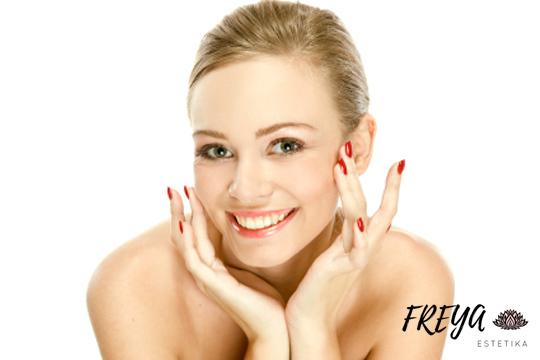 Cuida tu piel con una limpieza facial en profundidad con depilación de labio y cejas ¡Añade una manicura pat¡ra estar genial en todas las ocasiones!