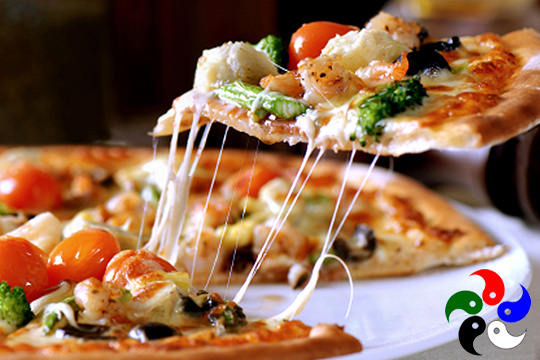¡Cena vegana para 2! Pizza ensalada, patés y bebida (Centro)