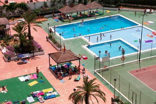 Este mes de agosto disfruta de la playa y la fiesta de Benidorm con 7 noches de alojamiento en apartamento para 4 personas ¡Vacaciones al sol!