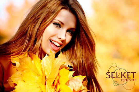 Presume de una melena de lujo con una completa sesión de peluquería en Selket Estilistas ¡Tienes la opción de añadir tinte, mechas y corte!