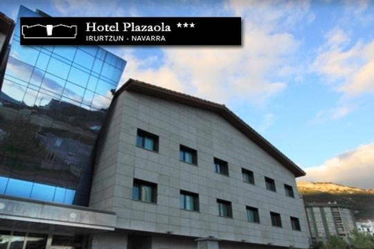 Noche con desayuno y cena en el hotel Plazaola de Irurtzun + visita a quesería ¡Y opción a Spa!