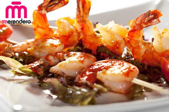Degusta la calidad y el exquisito sabor de los platos del restaurante Merendero de Ulía con un completo menú