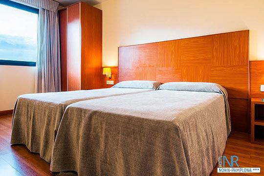 Escapada de 1 o 2 noches con desayunos y cena en el hotel NR Noain ¡Enamórate de Navarra!